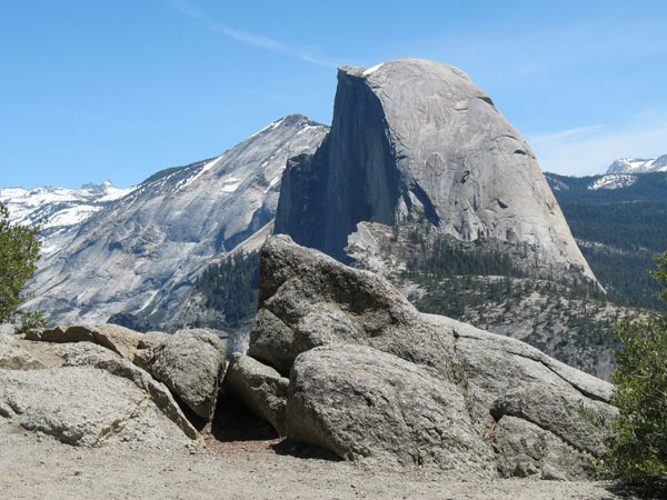 igneous rock and yosemite national park What are igneous rocks how did half dome, the massive rock monument in yosemite national park, acquire its unique shape july 8, 2017 is glacier ice a type of rock.