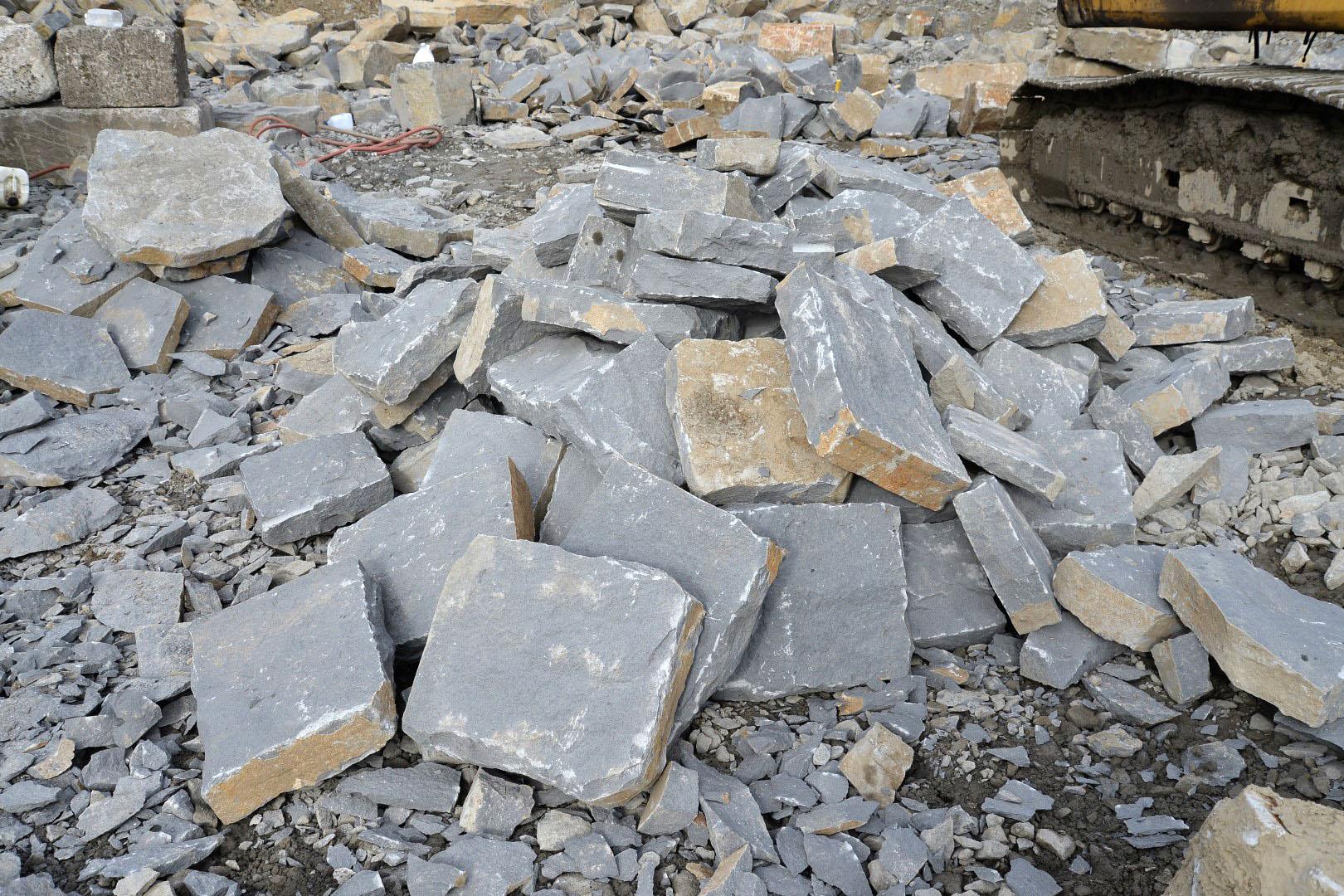 Basalt quarry 8290