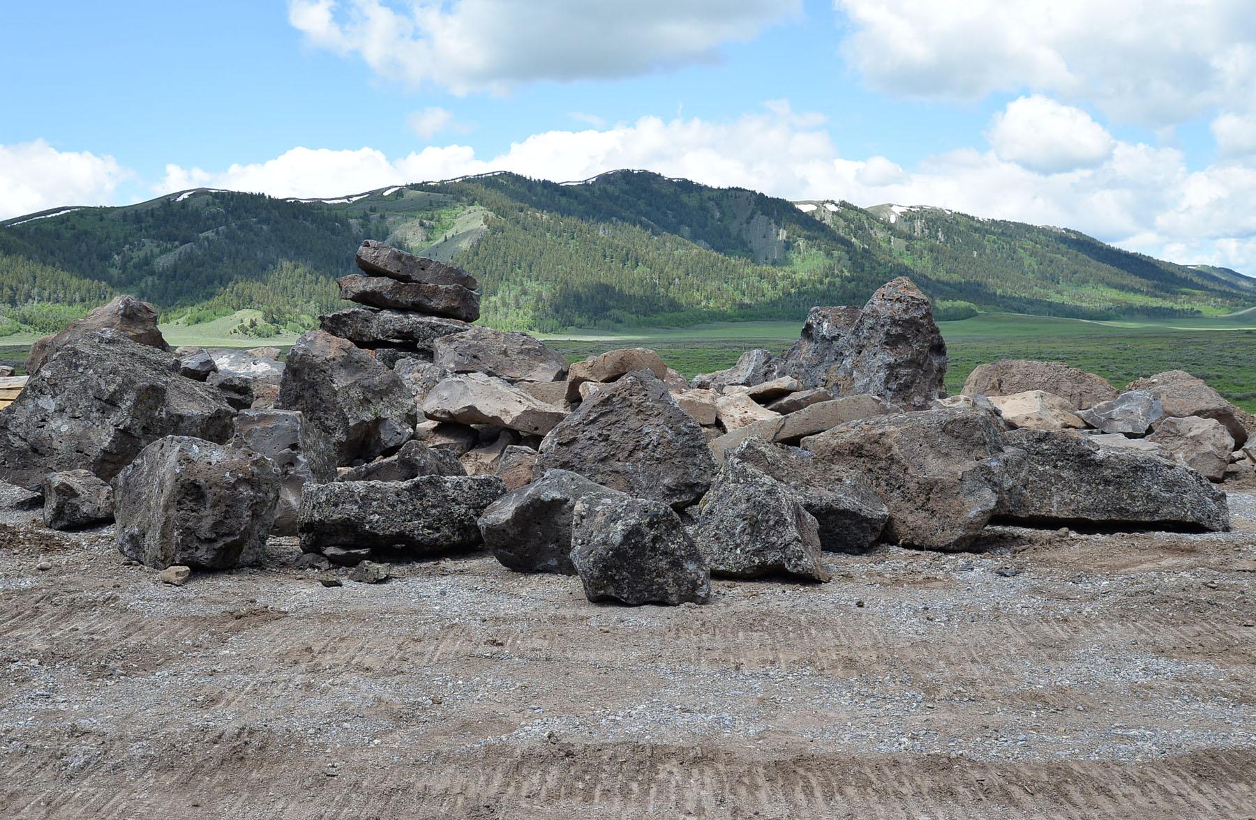 Basalt quarry 8659