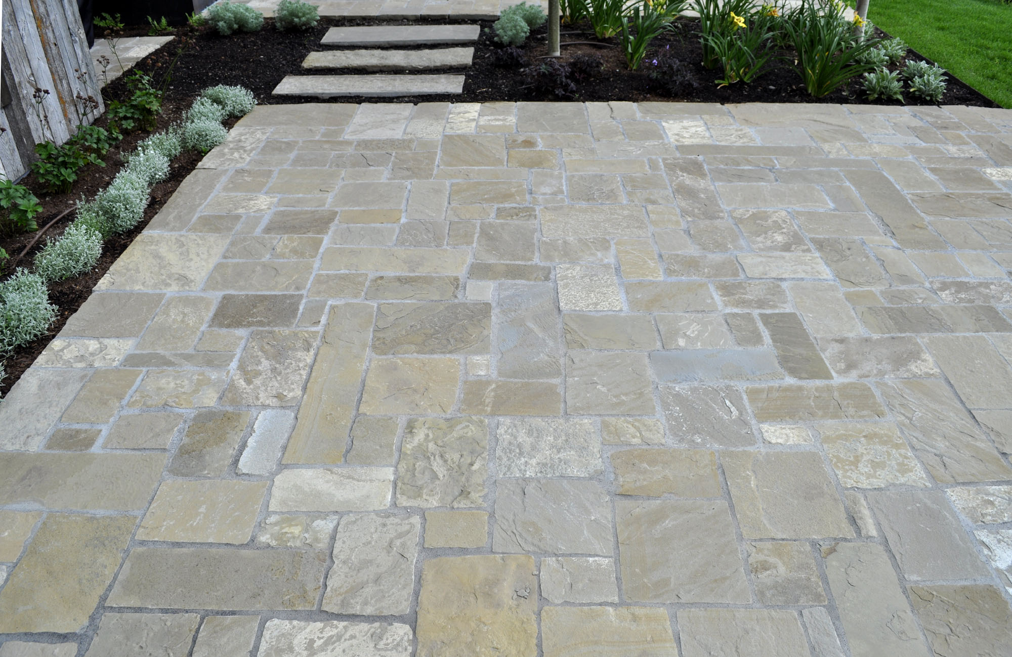 Stone Paving Stones : Frontier chopped pavers select stone
