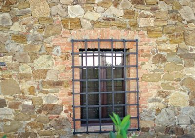 Window details on the villa near Siena.