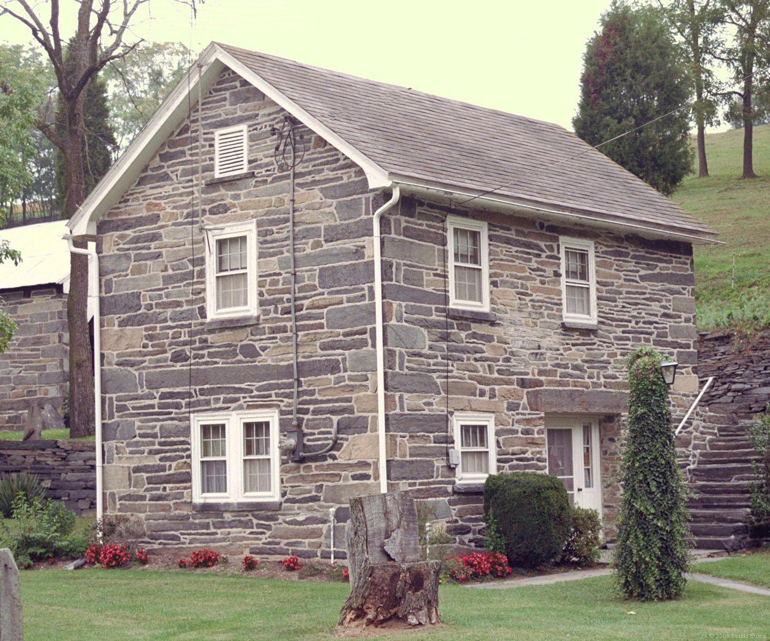 Pennsylvania fieldstone buildings select stone for Building a stone house