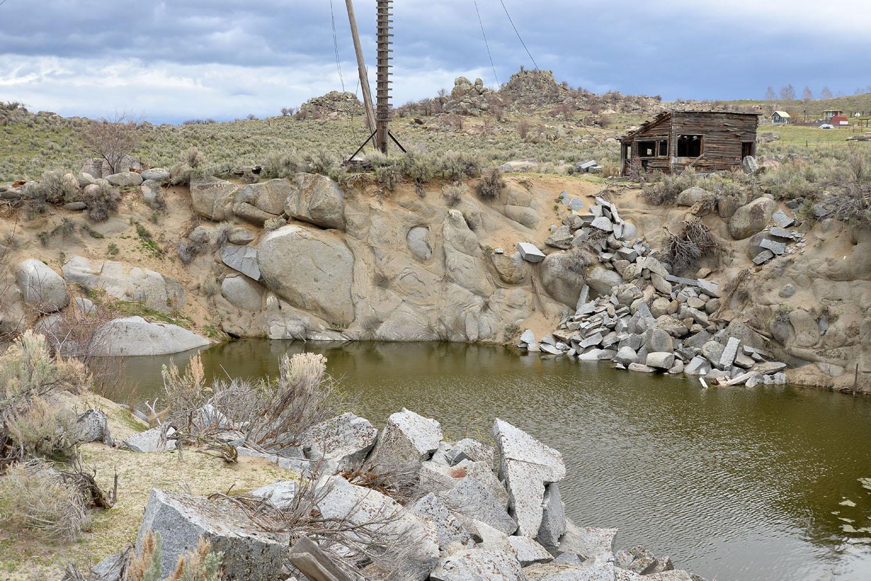 Granite quarry 8323
