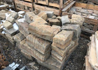Sandstone quoins 1173