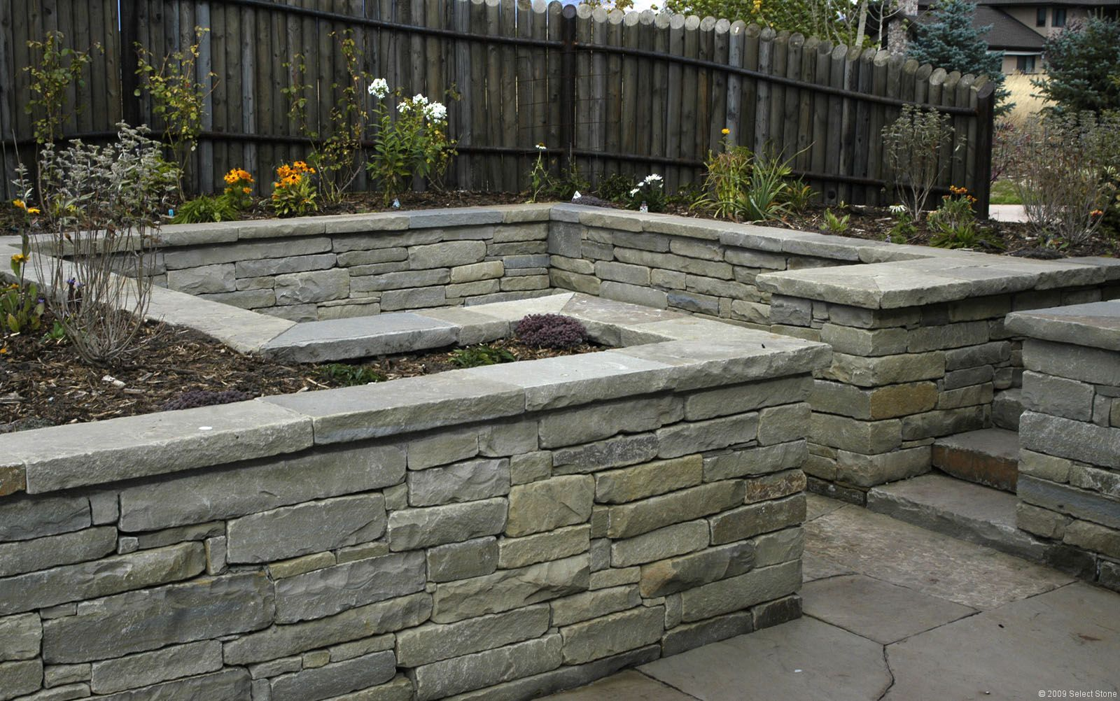 Frontier 174 Tumbled Dry Stack Select Stone